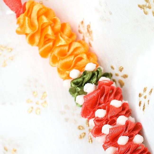 インドの花飾り【マーラー】小 4 - 手に持ってみるとこのくらいの大きさです。※以下は色違い商品となります。
