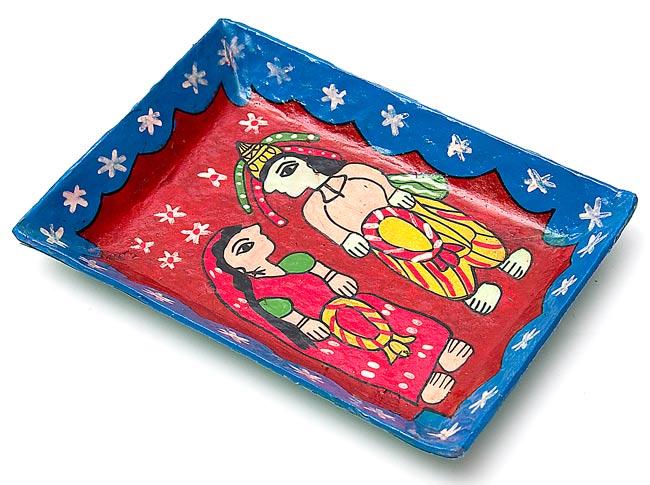 ミティラー村のカラフル飾り皿 - 男女 -【19cm x 14cm】の写真