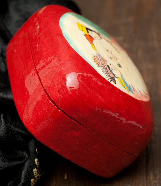 カシミールのペーパーマッシュ - インチキサンタさん小物入れ[大] 3 - 横部分の写真です