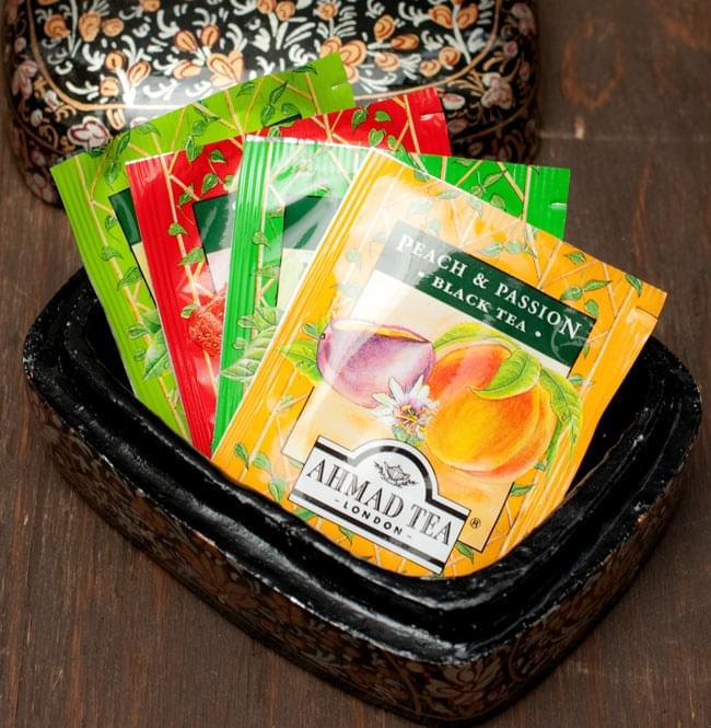 カシミールのペーパーマッシュ - インチキサンタさん小物入れ[大] 7 - ぜひ、お好きな物を入れてご使用ください。