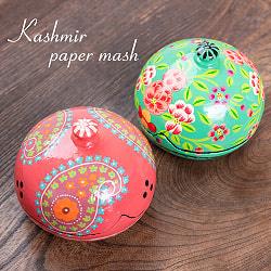 カシミールのペーパーマッシュ - 円形ピンクペイズリー小物入れ[大]