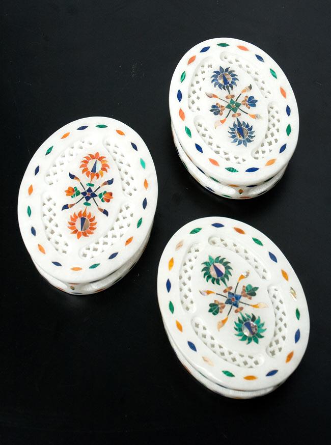 【楕円型】マーブルストーンの小物入れ[約10.5cm]の写真9 - こちらの3色からお選び下さい。手作りですので、一個ずつ模様が微妙に異なります。ご了承の上でお買い求め下さい。