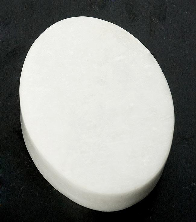 【楕円型】マーブルストーンの小物入れ[約10.5cm]の写真4 - 裏面を撮影しました。