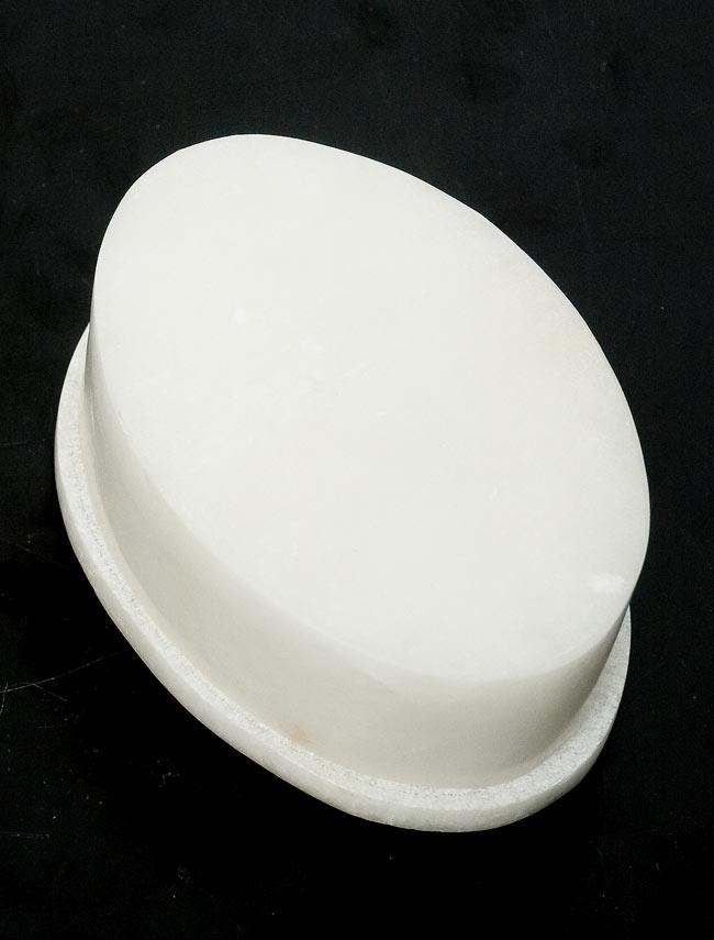 【楕円型】マーブルストーンの小物入れ[約8cm]の写真4 - 裏面を撮影しました。