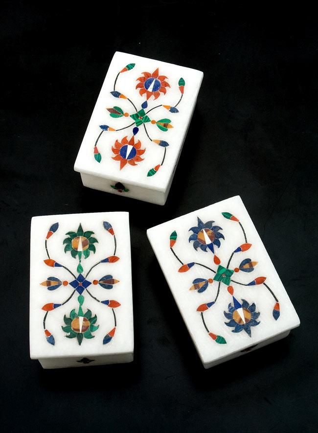 【角型】マーブルストーンの小物入れ[約8cm] 9 - こちらの3色からお選び下さい。手作りですので、一個ずつ模様が微妙に異なります。ご了承の上でお買い求め下さい。