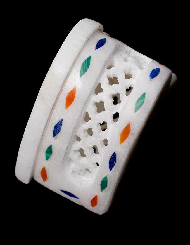 【ハート型】マーブルストーンの小物入れ[約5cm]の写真3 - 側面にも華麗な彫り細工が施されています。