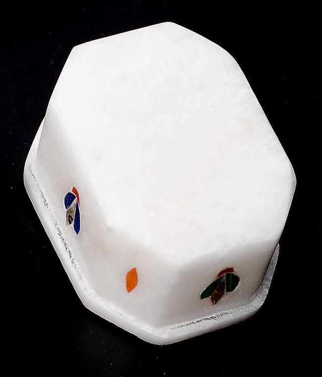 【ジュエル型】マーブルストーンの小物入れ[約5.5cm]の写真4 - 裏面の様子です。