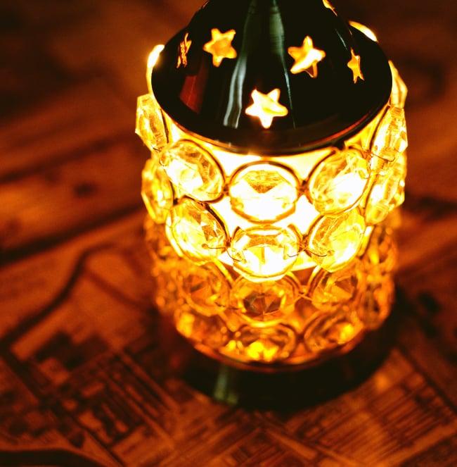 クリスタルガラスの円形オイルランプシェード〔15.5cm×7.7cm〕 7 - クリスタルガラス越しの暖かい光は、見ているだけで癒やされます。