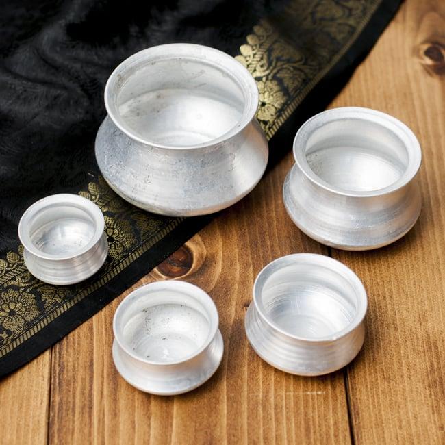 ハンディ(インド鍋)型の小物入れの写真3 - 大きさの異なる5個セットでのお届けになります。