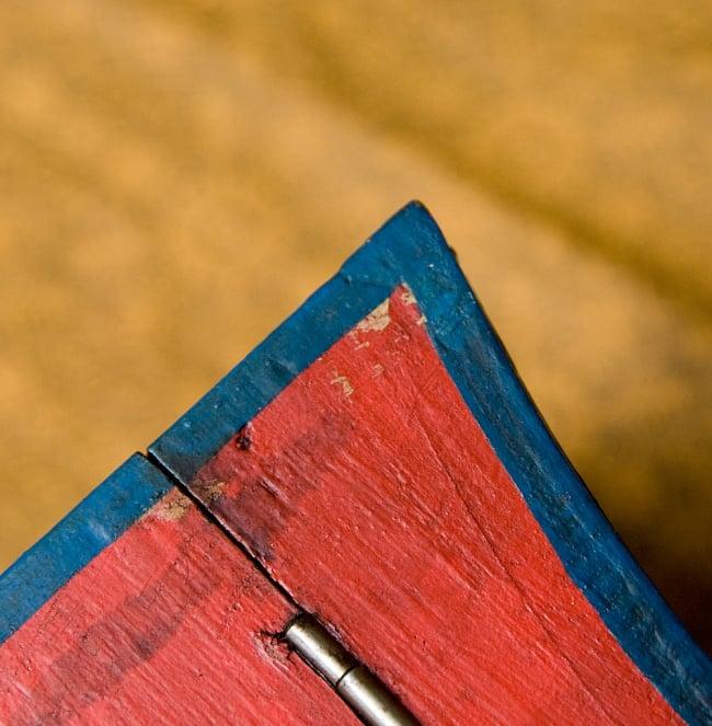 チベットの伝統小物入れ - 龍(凹型) 11 - 商品によってはこのような染みや剥げがあります。
