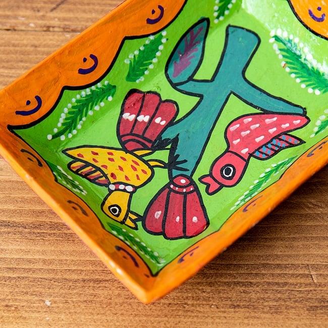 ミティラー村のカラフル飾り皿  - 木に止まる小鳥たち 3 - 角度を変えてみてみました。