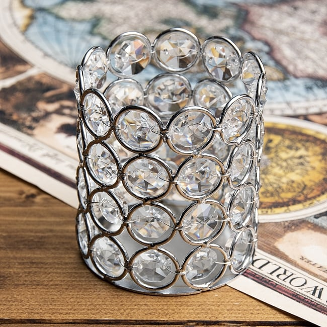 クリスタルガラスのキャンドルホルダー - シルバー 2 - 全面にクリスタルが取り付けられ豪華な見た目です。