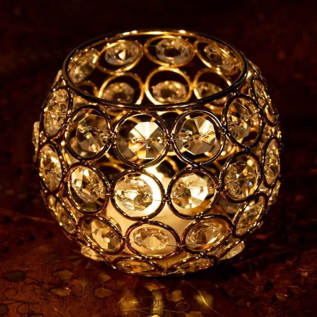 【金銀2色展開】クリスタルガラスのアラビアンキャンドルホルダー - ゴールド【高さ8.5cm】 3 - 繊細で豪華な印象を受けますね。こちらはゴールドになります。