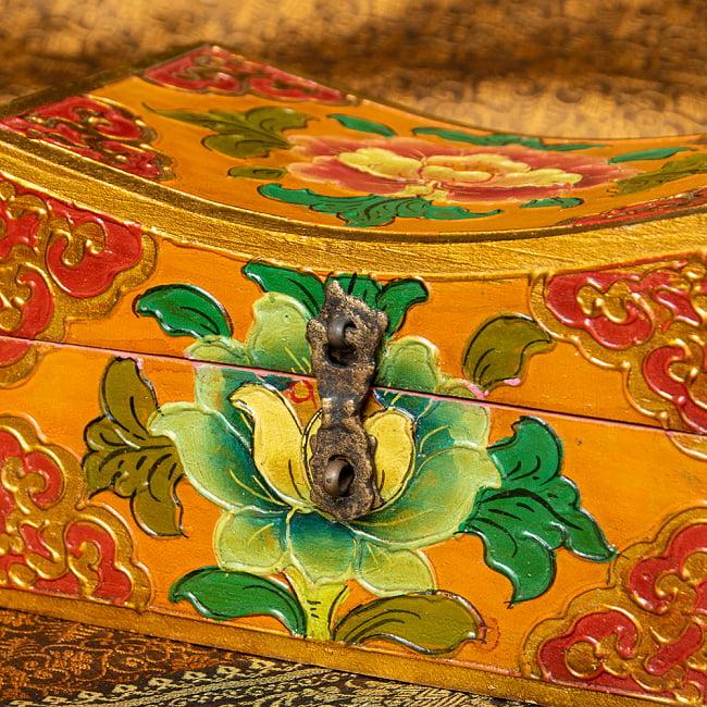〔一点物〕チベットの伝統小物入れ 美しい色彩と吉祥文様 凹型 3 - とても丁寧に作られております