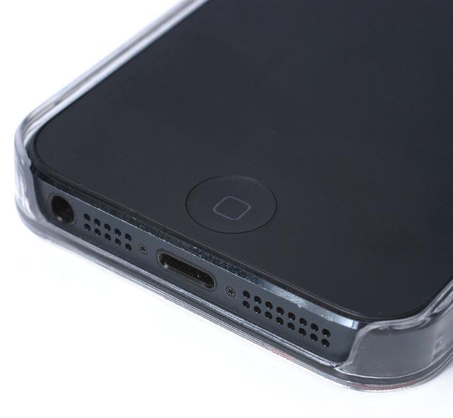 ウッドブロックデザイン【ティラキタオリジナルiPhone5ケース】の写真5 - 充電、スピーカーも問題ありません