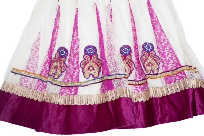 サフェードのパンジャビドレス 3点セット 白×ピンク 5 - 刺繍やスパンコールで華やかに飾られています。