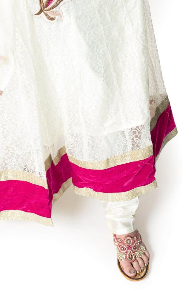 サフェードのパンジャビドレス 3点セット 白×ピンクの写真6 - 裾をアップにしてみました。