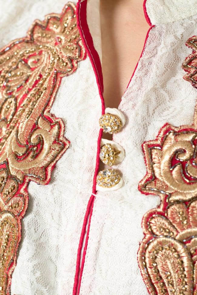 サフェードのパンジャビドレス 3点セット 白×赤 6 - 胸元の様子です。