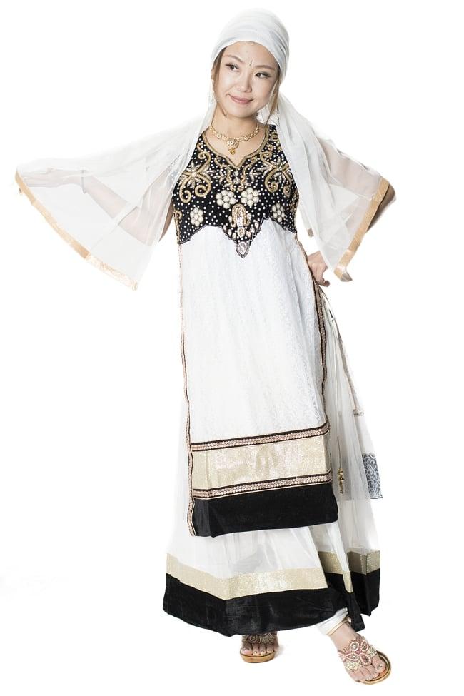 サフェードのパンジャビドレス 3点セット 白×黒の写真