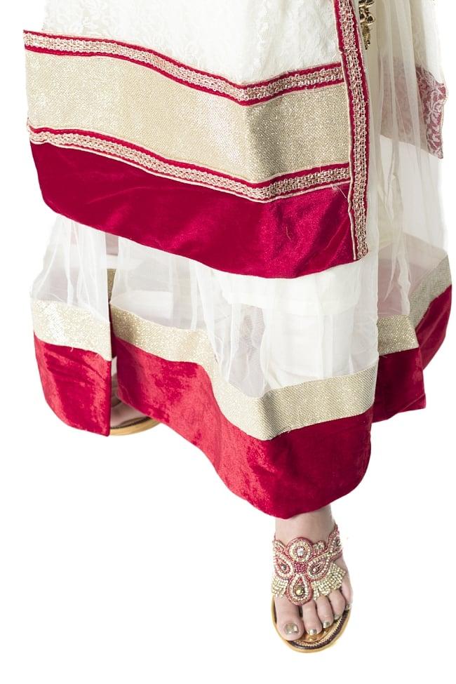 サフェードのパンジャビドレス 3点セット 白×赤の写真7 - 裾の様子です。