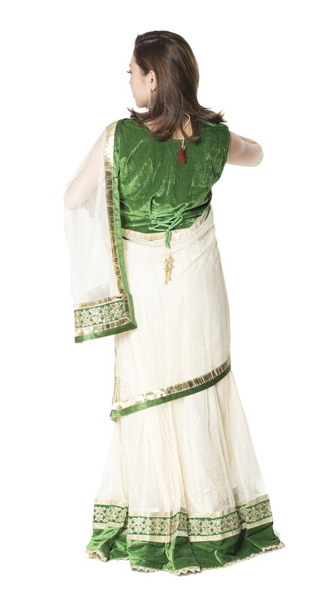サフェードのレヘンガ 白×緑の写真3 - 後ろ姿です。