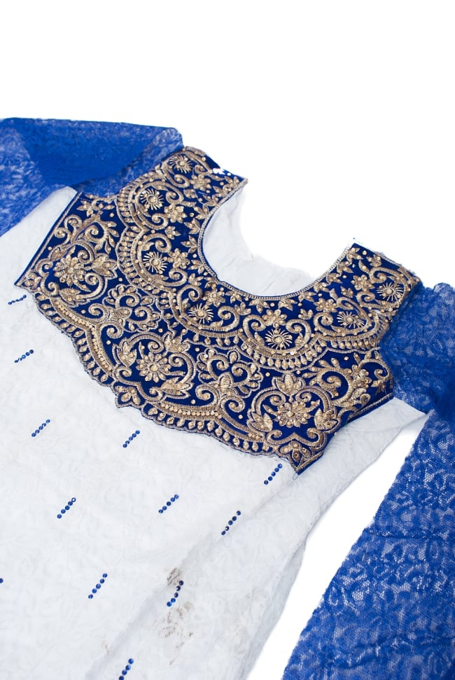 サフェードのパンジャビドレス 3点セット 白×青 3 - 豪華な胸元の様子です。