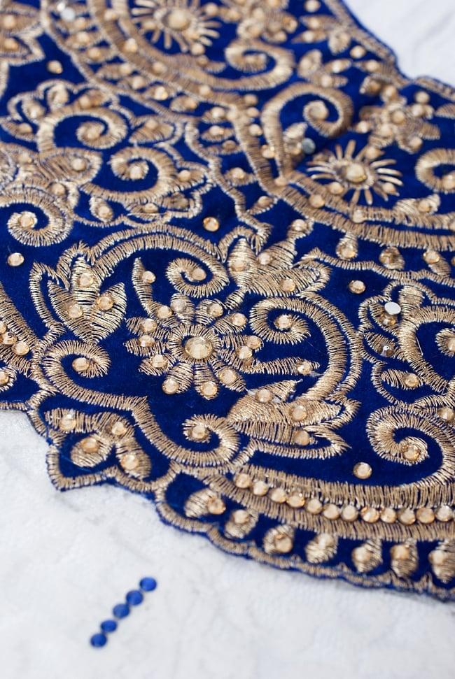サフェードのパンジャビドレス 3点セット 白×青 6 - 胸元を近くで見てみました。とってもゴージャスなドレスです。