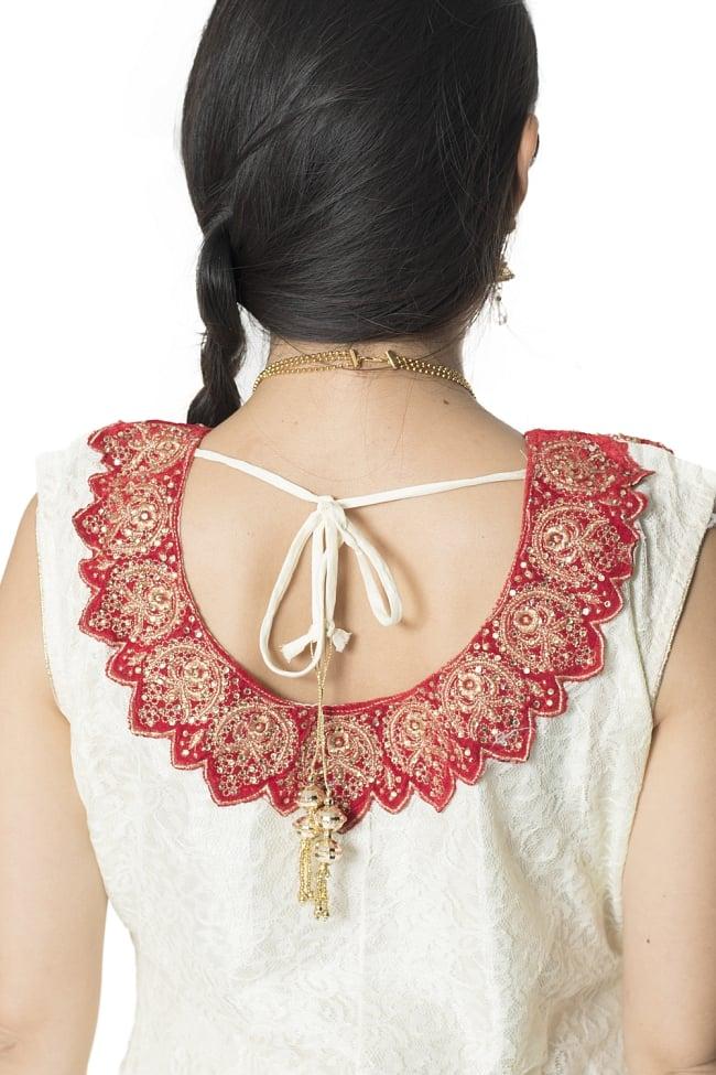 サフェードのパンジャビドレス 3点セット 白×赤の写真7 - 背中側にもぐるりと刺繍が回っています。艶やかで素敵ですね。