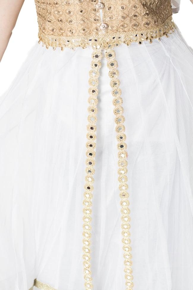 サフェードのパンジャビドレス 4点セット 白×金色の写真6 - スカート部分にはミラーがあしらわれていてキラキラ光ります。