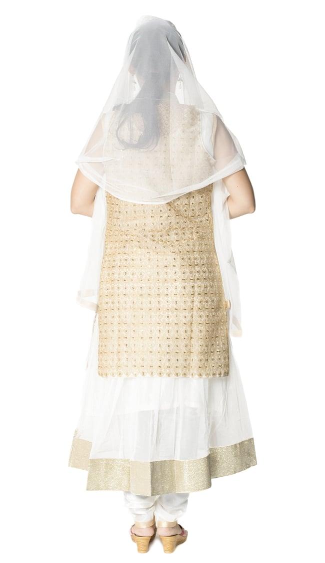 サフェードのパンジャビドレス 4点セット 白×金色の写真3 - 後ろ姿です。