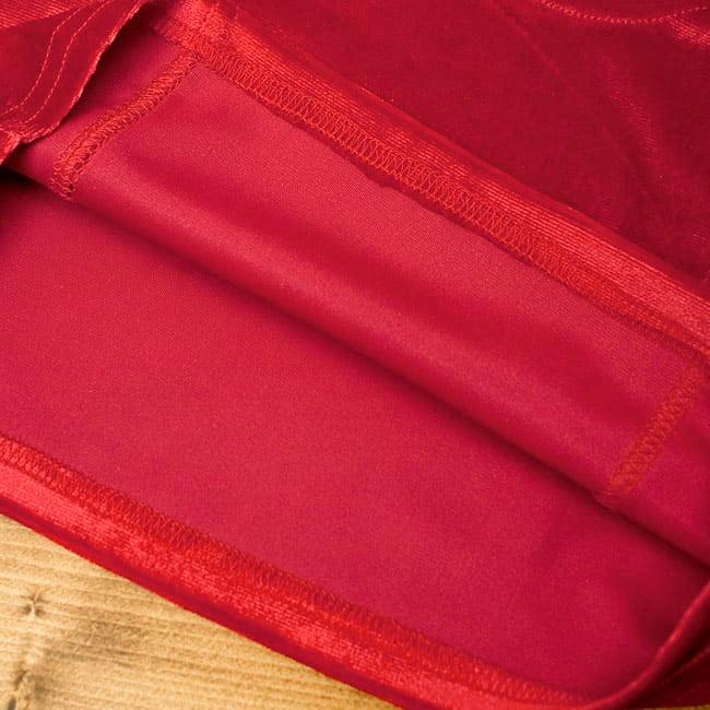 ベルベットのストレッチチョリ - レッドの写真3 - 裏生地はこのような感じでツルッとしているので、とても着やすいです。