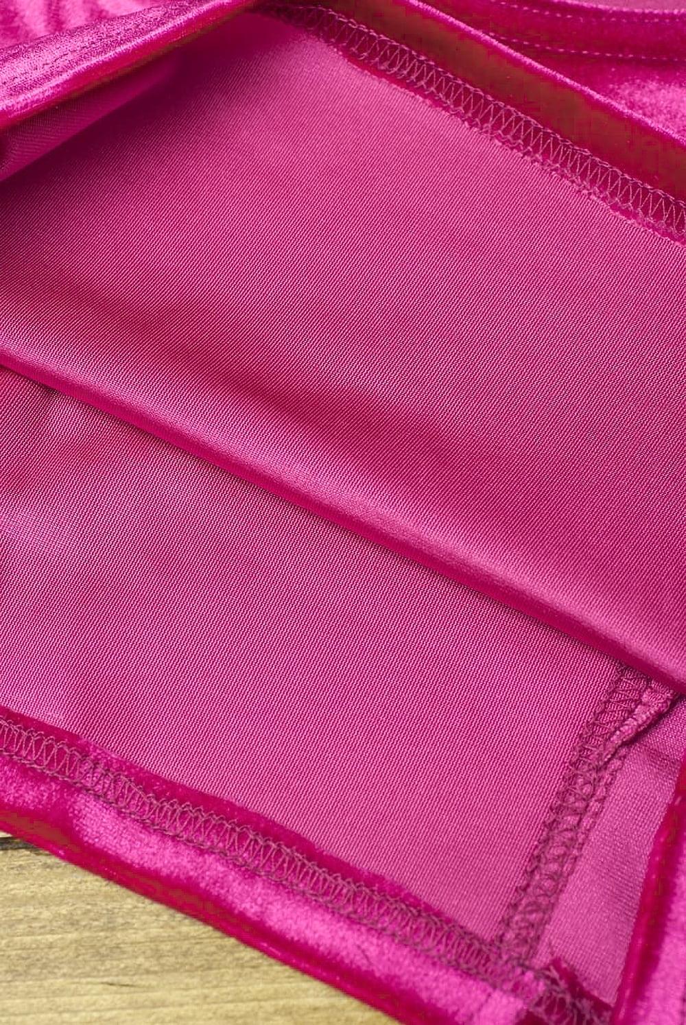 ベルベットのストレッチチョリ - ピンク 3 - 裏生地はこのような感じでツルッとしているので、とても着やすいです。