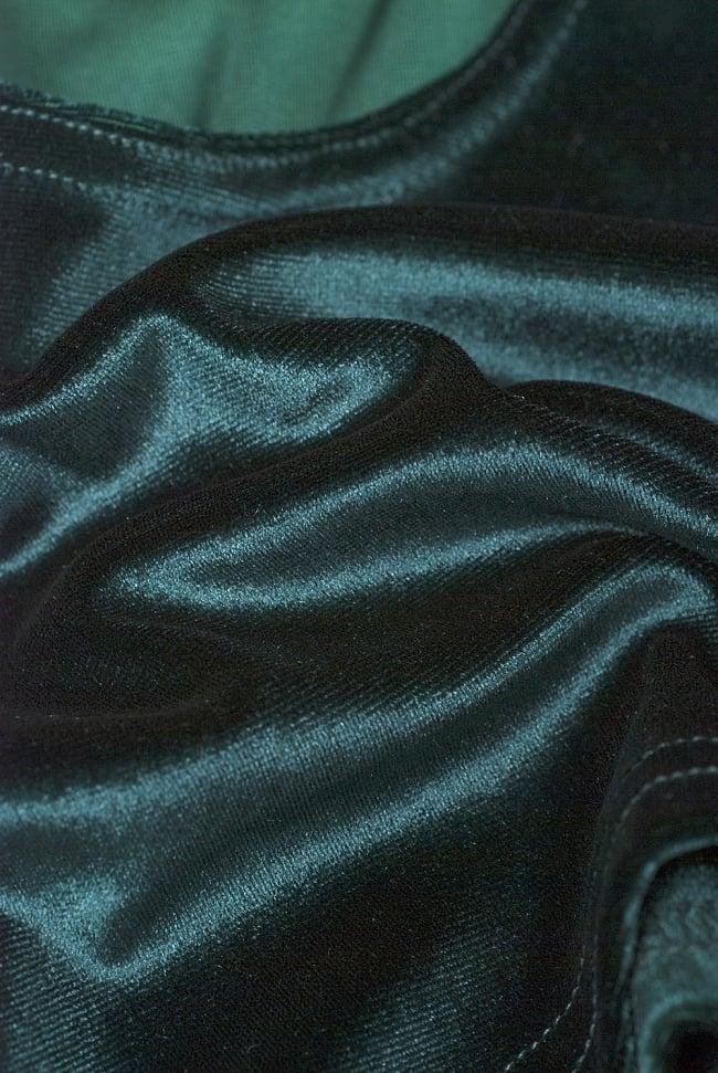 ベルベットのストレッチチョリ - 深緑 4 - ベルベット素材なので、光のあたり方によって光沢の変化があり美しいです。