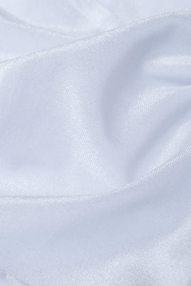 ベルベットのストレッチチョリ - ホワイト 4 - ベルベット素材なので、光のあたり方によって光沢の変化があり美しいです。