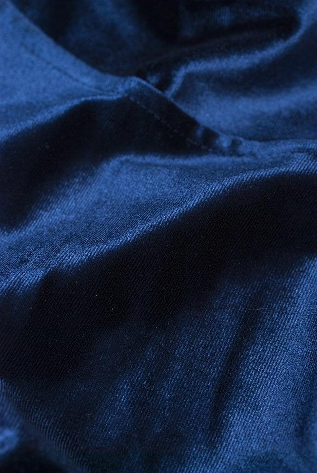 ベルベットのストレッチチョリ - ネイビー 4 - ベルベット素材なので、光のあたり方によって光沢の変化があり美しいです。