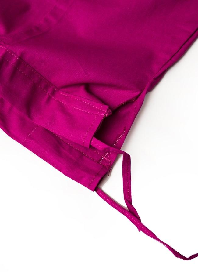 サリーの下に着るペチコート - ダークマゼンタ 4 - ウエストは紐で絞るタイプになります。