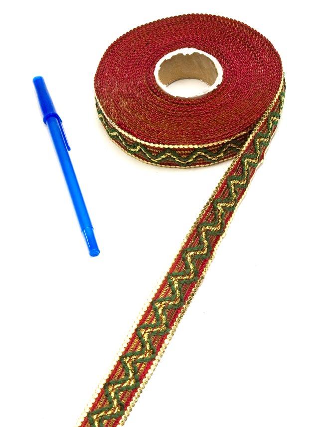 チロリアンテープ-ロール売(細幅 20mm×9m) 3 - ボールペンと比較してみました。大きさが分かりますね。