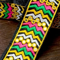 カラフルミラーワーク刺繍チロリ