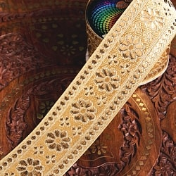 〔各色あり〕チロリアンテープ メーター売 - 美しい光沢感 小花模様のブロケード〔幅:約6.2cm〕