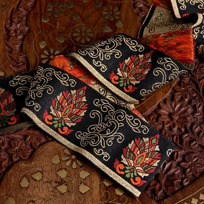〔各色あり〕チロリアンテープ メーター売 - 美しい光沢感 更紗模様のブロケード〔幅:約5.3cm〕 2 - 他にはないとても素敵な雰囲気