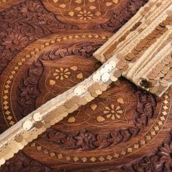 〔約9m ロール売り〕チロリアンテープ - 輝くスパンコールと美しい金糸〔幅:約2.5cm〕