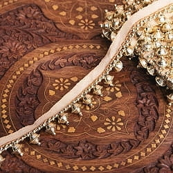 〔約9mロール売り〕チロリアンテープ - 華やかな金色のビーズ装飾 ベリーダンスなどへオススメ〔幅:約3cm〕