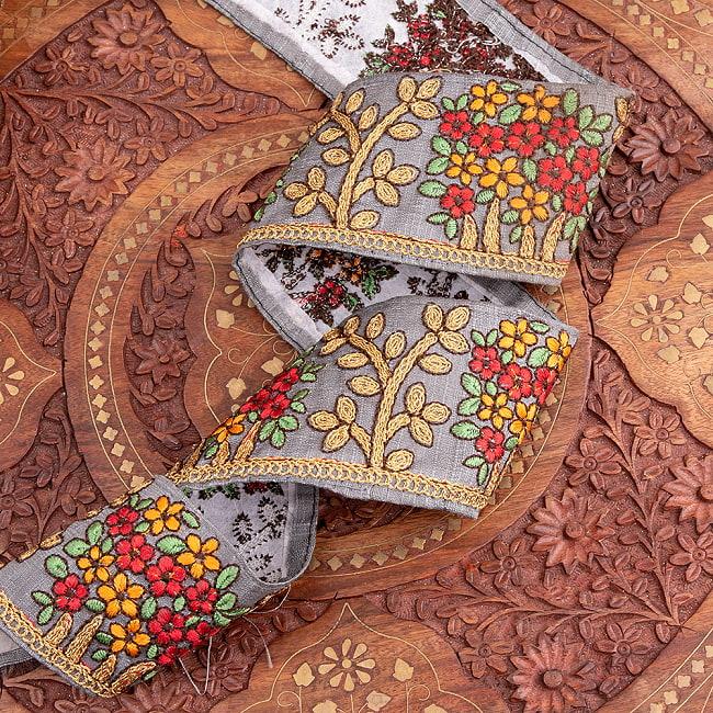 【極太幅8cm】 チロリアンテープ メーター売 - 金糸が美しい 更紗模様のゴータ刺繍  - 満開 3 - 他にはないとても素敵な雰囲気