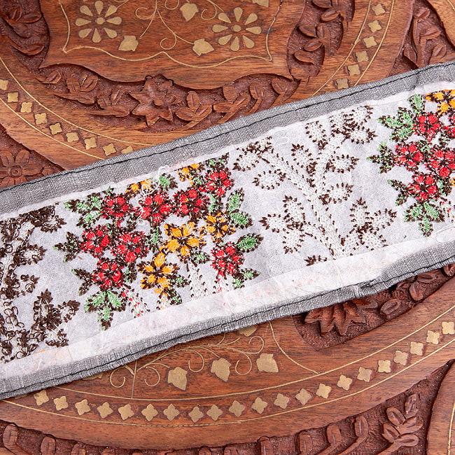 【極太幅8cm】 チロリアンテープ メーター売 - 金糸が美しい 更紗模様のゴータ刺繍  - 満開 5 - 裏面はこのようになっています