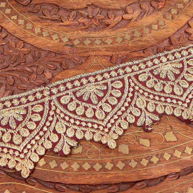 チロリアンテープ メーター売 - 金糸が美しい 更紗模様のゴータ刺繍  〔幅:約6.5cm〕 メヘンディ 寒色 5 - 裏面はこのようになっています