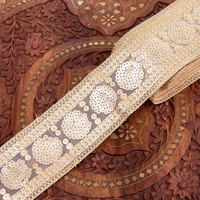 チロリアンテープ メーター売 - 金糸が美しい 更紗模様のゴータ刺繍〔幅:約6.5cm〕 - マハルの写真