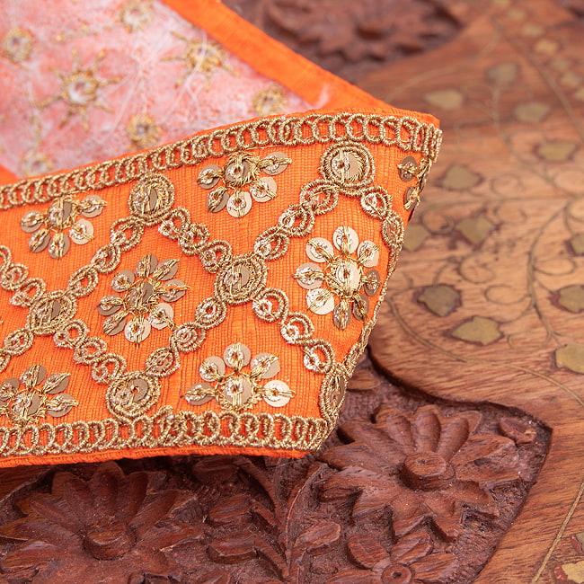 【全7色】約9m チロリアンテープ ロール売 - 金糸が美しい 更紗模様のゴータ刺繍〔幅:約5.8cm〕 - ハンデラバード 2 - 拡大写真です