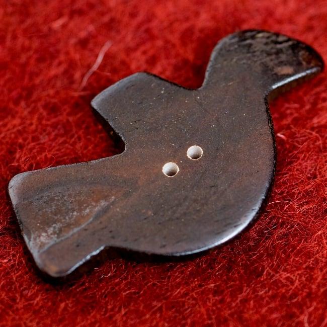水牛の角ボタン[5個セット] - 鳥 - 約5cm×約3cm 3 - 裏面です。