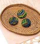 モン族の刺繍ボタン【直径:30mm 3個セット】 - グリーン・ブルー系