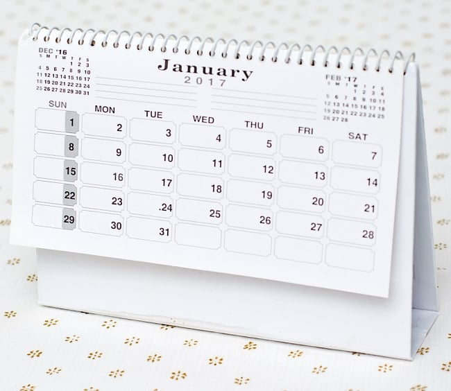 【2017年度版】インドの卓上カレンダーBhakti Upasanaの写真5 - 裏面はシンプルです。スケジュールなどを書き込めるようになっています。